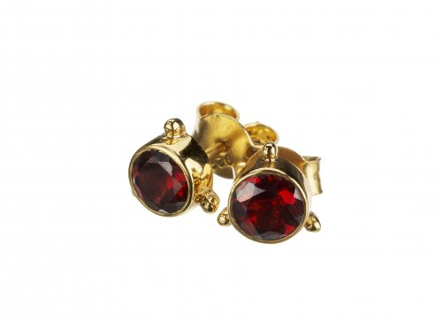 Darling earrings garnet